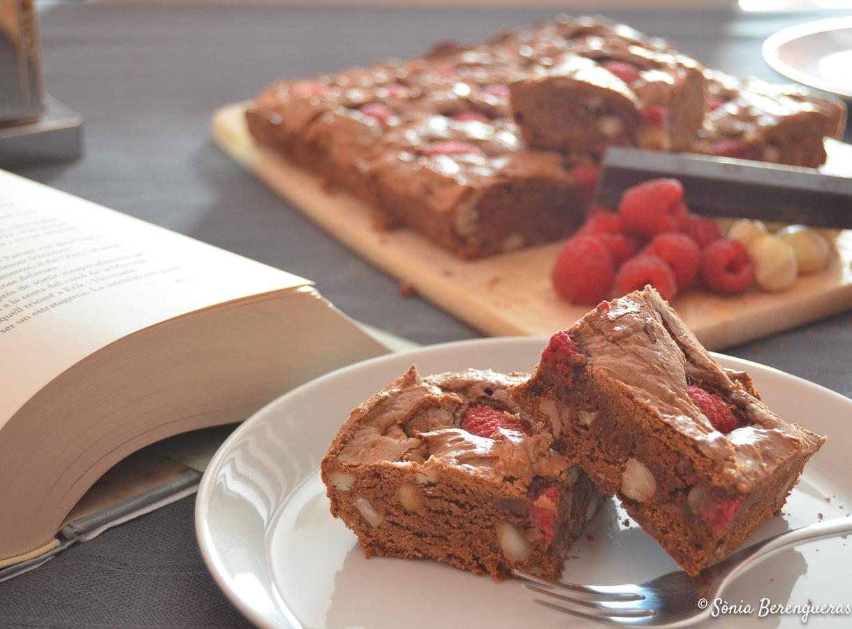 Brownie amb gerds destacada