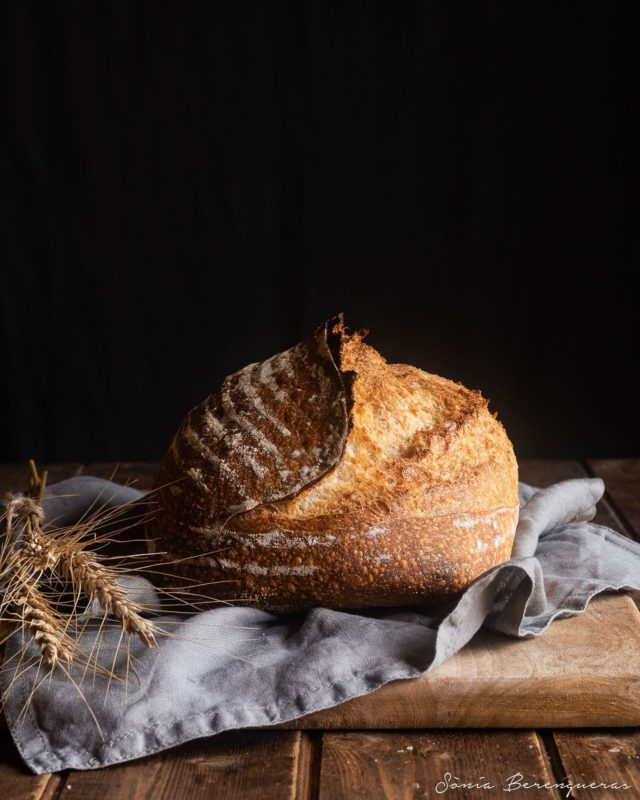 🍂Bon dia! Avui Pa de massa mare per el Dia Mundial de Pa 🍂 ▪️▪️▪️  #pavisucre #food #foodie #foodphotography #foodstylist #foodstyling #f52bread #foodstagram #bread #sourdoughbread #worldbreadday #beautifulcuisines #hautecuisines #instafood #instabread #igers #igerscatalunya #somgastronomia #descobreixcatalunya #catalunyexperience